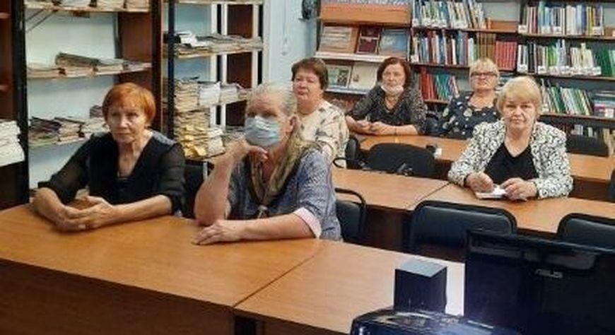 В Новобирилюссах начались занятия для студентов народного университета «Активное долголетие»
